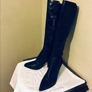 "Donald J Pliner women's Tall Black boot. 18"" shaft"
